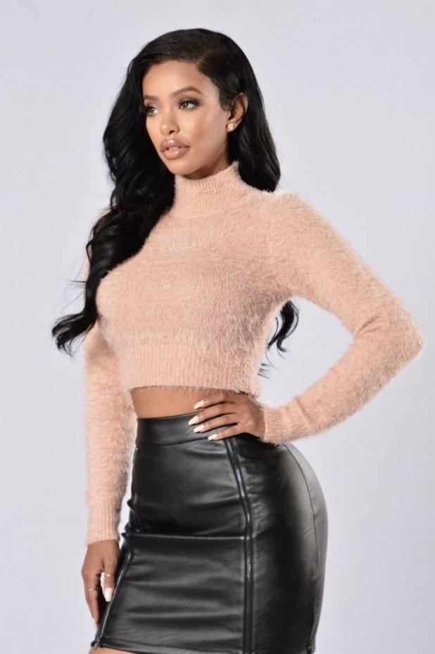 свитер вязанный водолазка