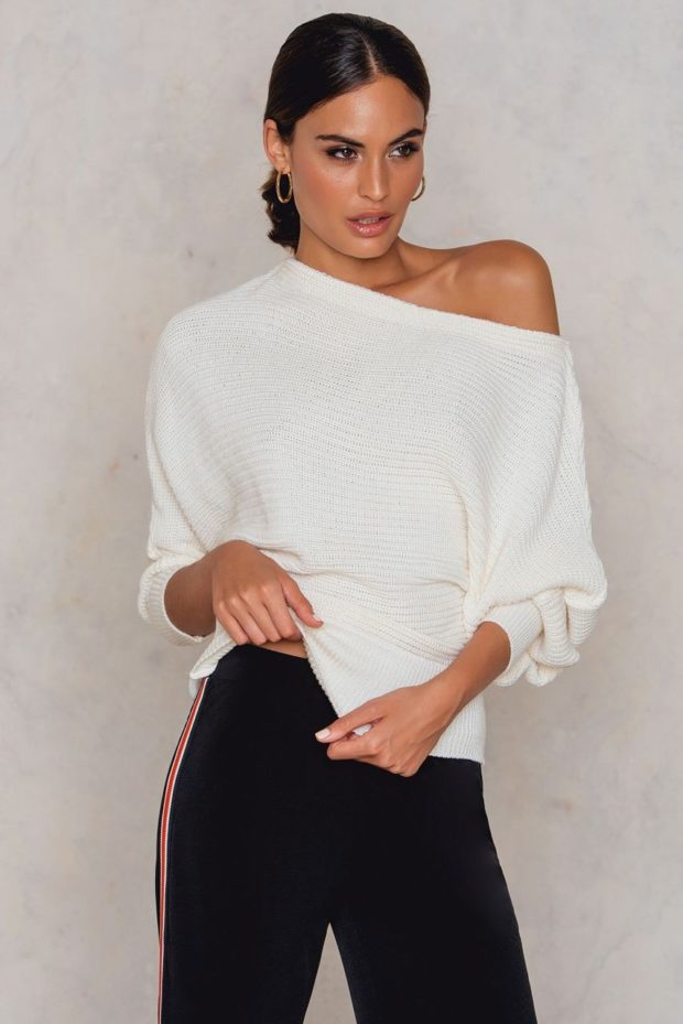 модные свитера осень 2019-2020 фото: белый открыто плечо