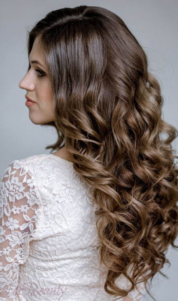 Укладка волос с локонами 2018-2019