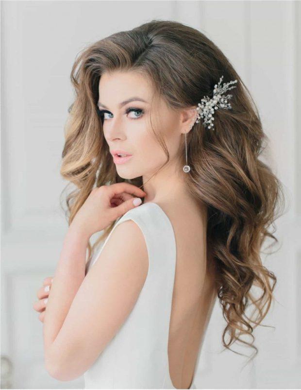 Укладка волос с аксессуарами 2018-2019