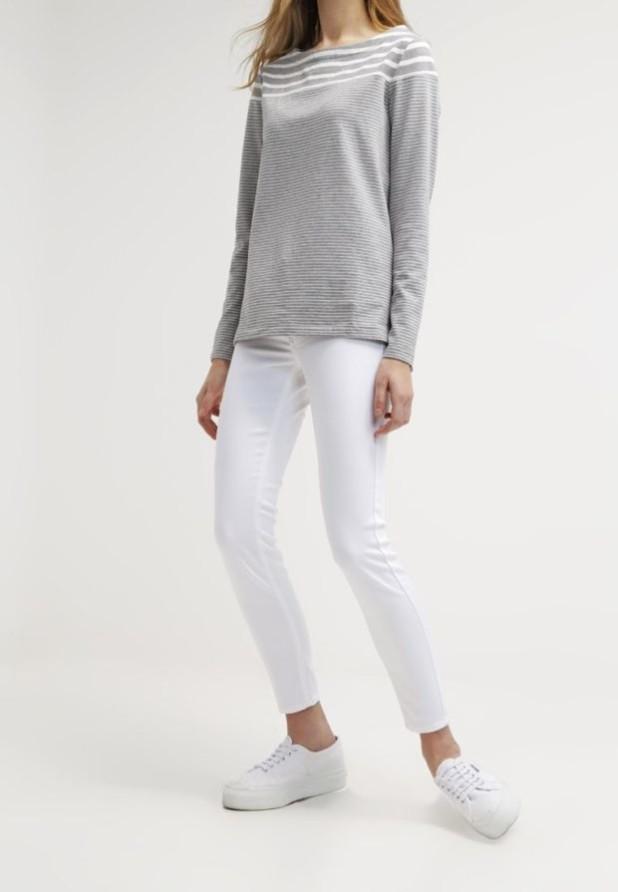 женские джинсы белые узкие