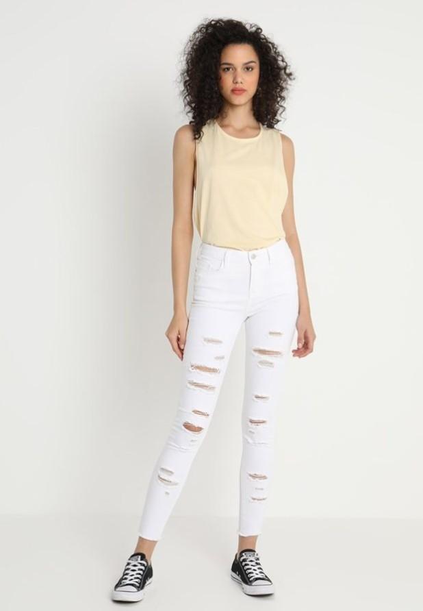 модные женские джинсы скинни рваные белые