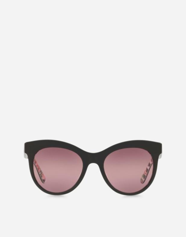 Модные очки в роговой оправе женские