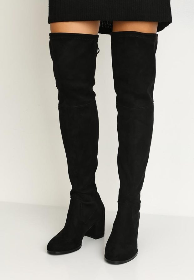 замшевые ботфорты черного цвета на толстом каблуке