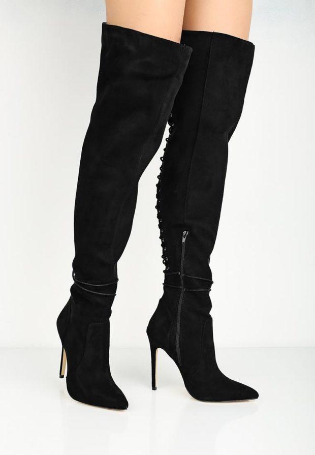 черные ботфорты на шнуровке