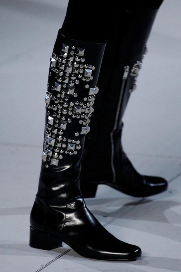 SaintLaurent сапоги черные с вставками