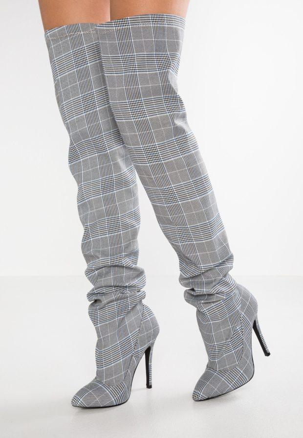 Модные серые сапоги на каблуке