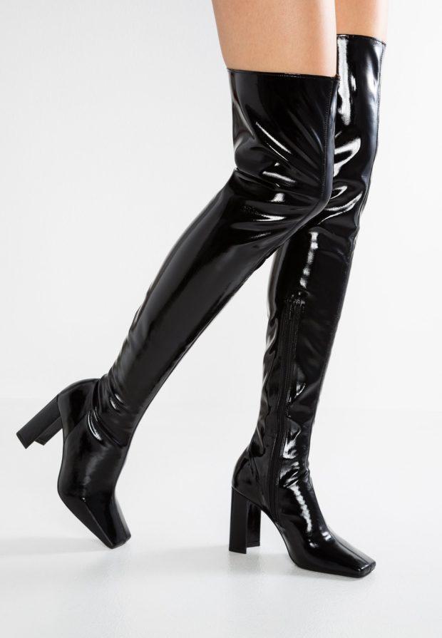 Модные черные сапоги на каблуке