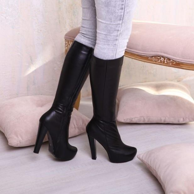 Модные черные сапоги на шпильке осень-зима 2018-2019