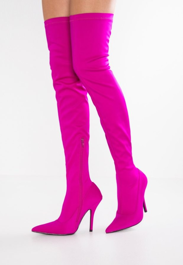 розовые сапоги чулки