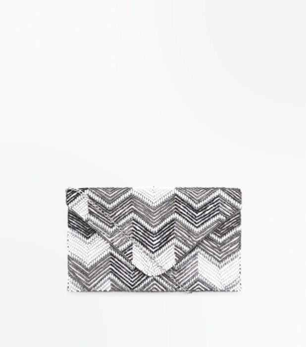 Модные сумки: черно-белый женский клатч