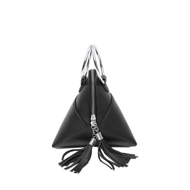 черная женская треугольник