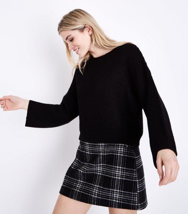 модные женские джемпера 2019-2020 фото: черный под юбку