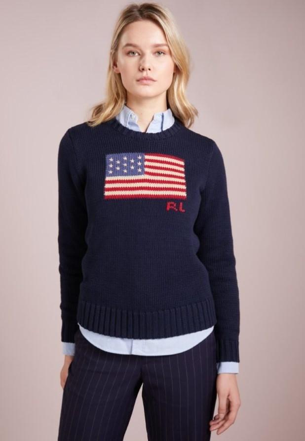модные свитера осень 2018 2019 фото: темно-синий с принтом