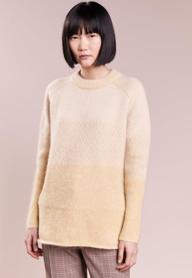 модные свитера осень 2018 2019 фото: кремовый цвет