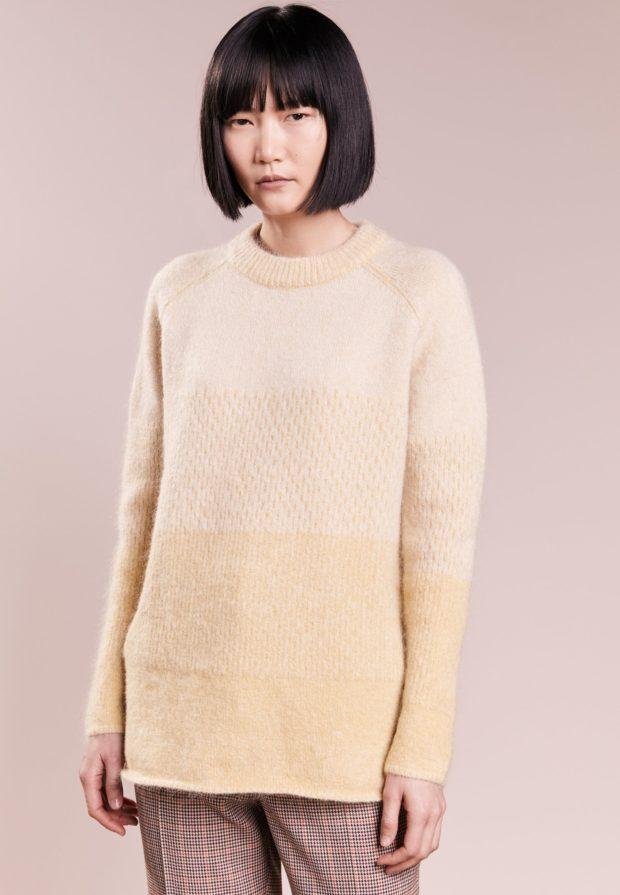 модные свитера осень 2019-2020: кремовый цвет
