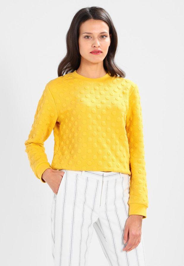 женские свитера 2019-2020: желтый