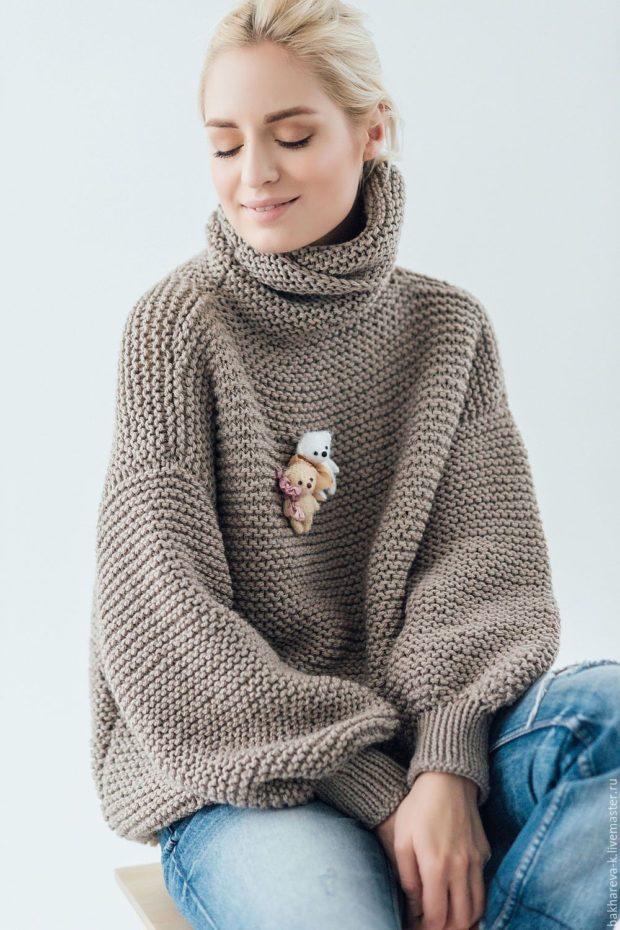 модные свитера осень зима 2019-2020 фото: бежевый мешковатый осень-зима
