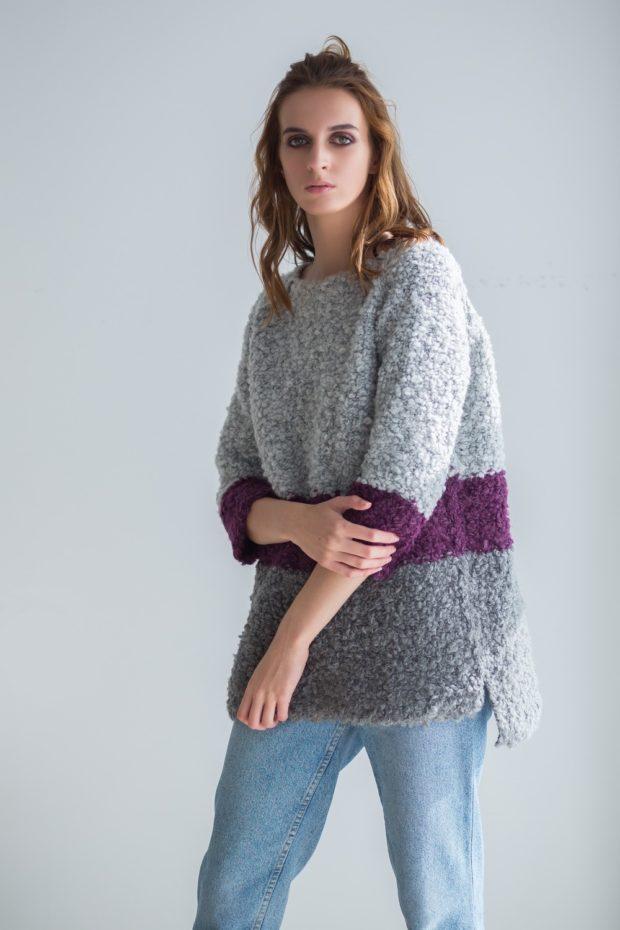 модные свитера осень зима 2019-2020 фото: серый мешковатый с полосой