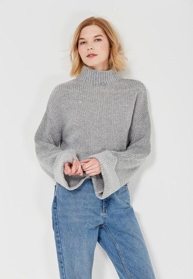 Модный серый свитер с высоким воротом осень-зима 2019-2020