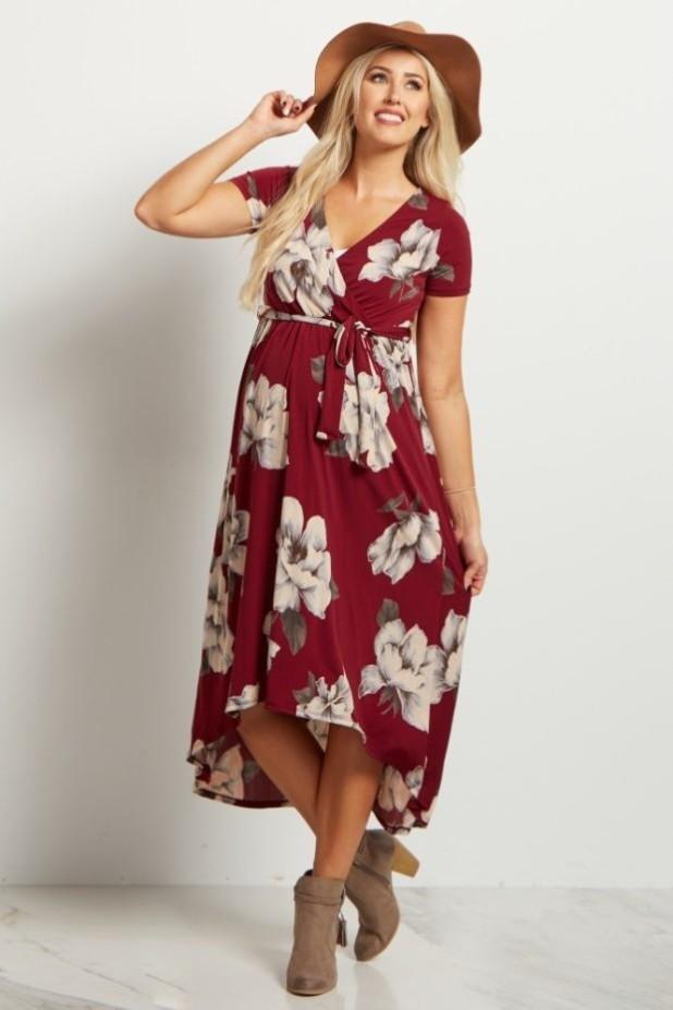 мода для беременных 2018-2019: платье с V-образным вырезом