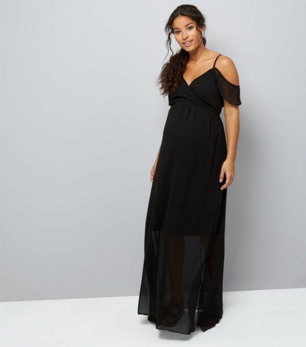 мода для беременных 2020-2021: черное длинное платье