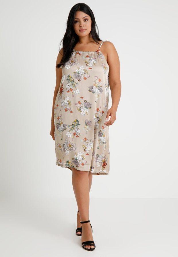 Модное платье в цветок для полных 2018-2019