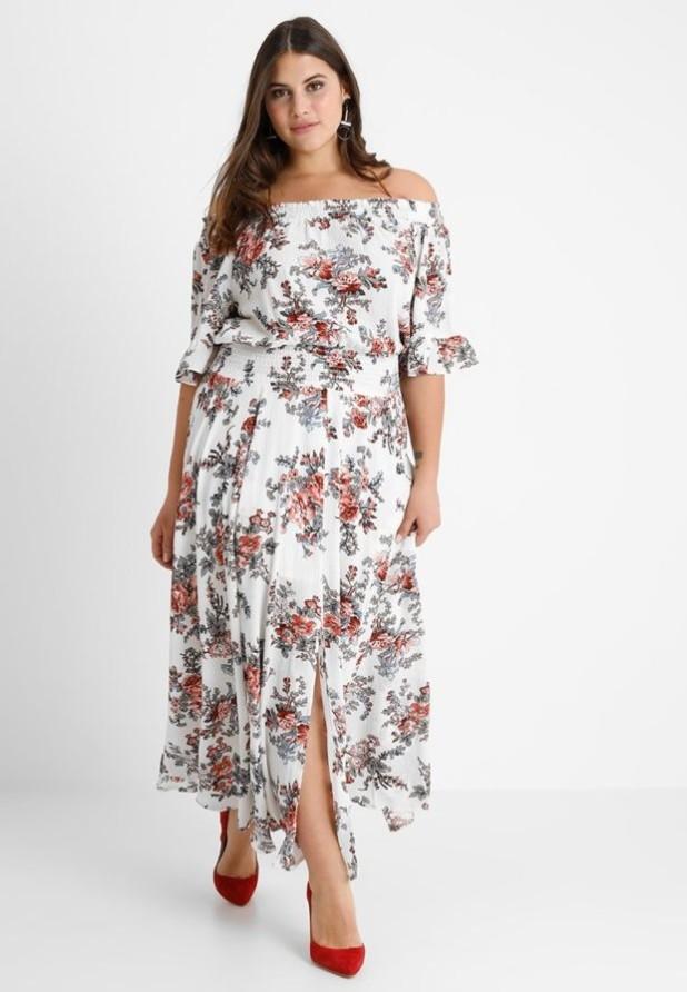 мода для полных 2018-2019: платье в цветок