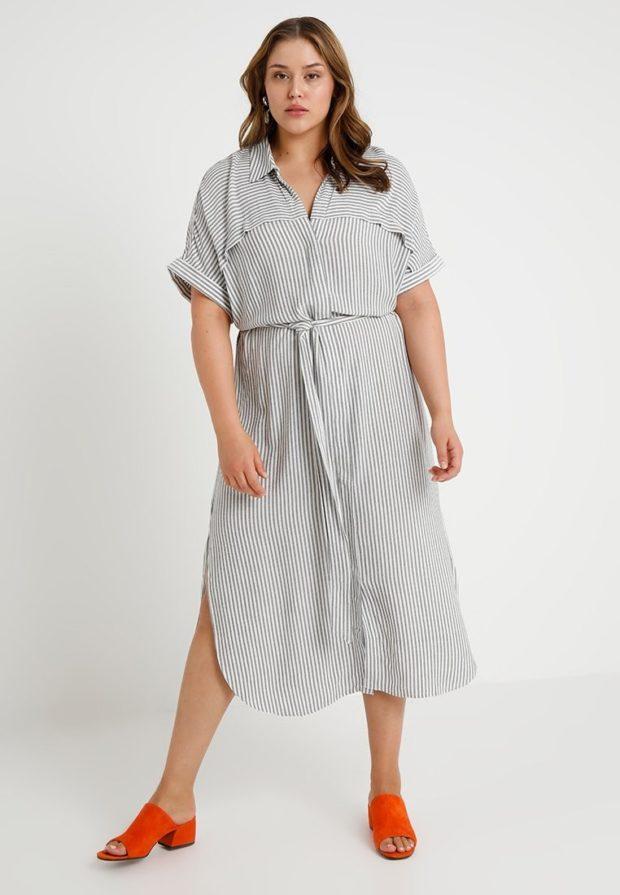 мода для полных 2018-2019: платье в полоску