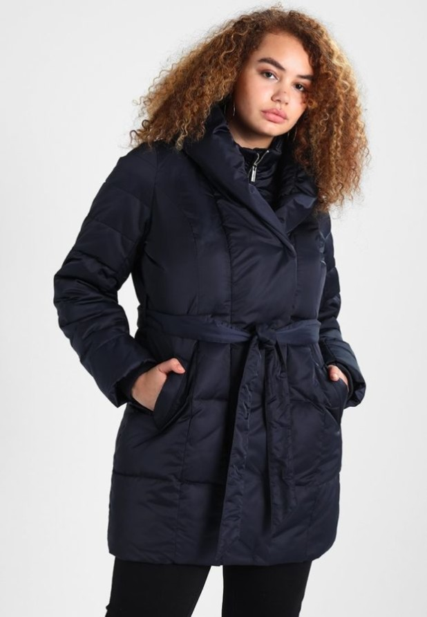 мода для полных: синее пальто