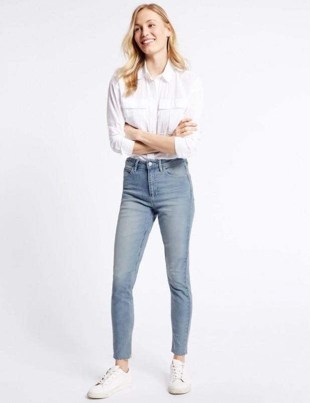 базовый гардероб: Модные голубые джинсы