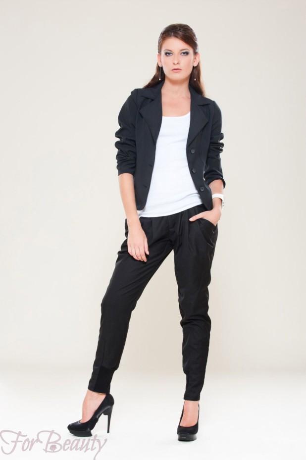 Модные черные брюки-дудочки в базовом гардеробе 2018