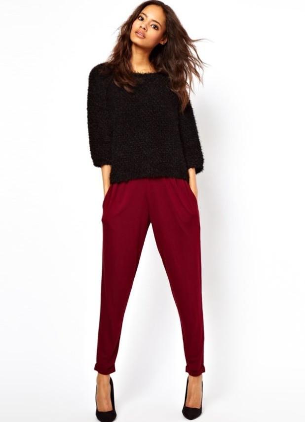 базовый гардероб 2018-2019: Модные бардовые брюки-дудочки