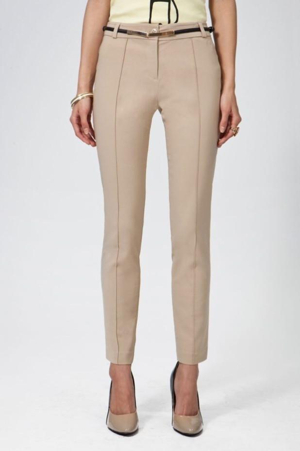 базовый гардероб 2018-2019: Модные бежевые брюки-дудочки