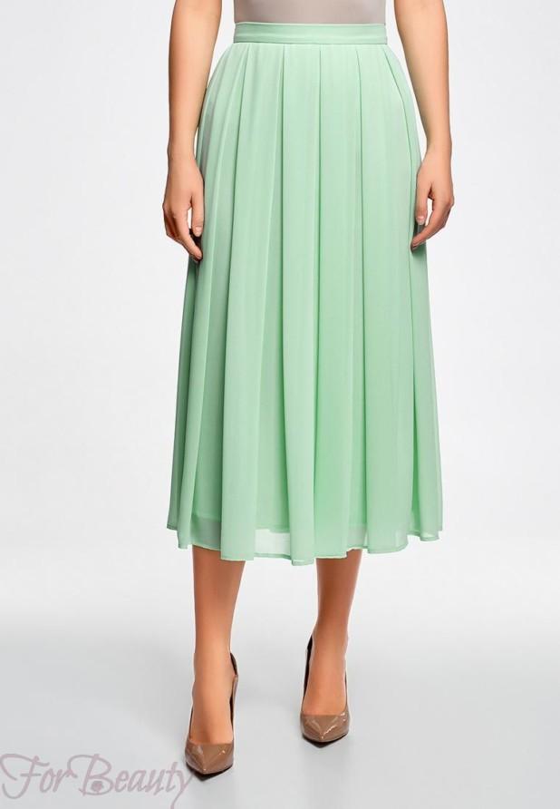 Модная зеленая юбка в базовом гардеробе 2018