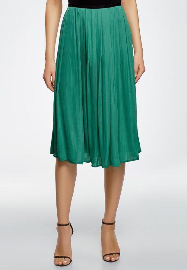 Модная зеленая юбка