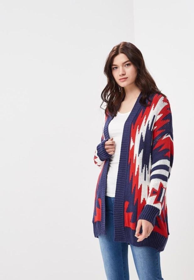 Модный цветной кардиганв базовом гардеробе