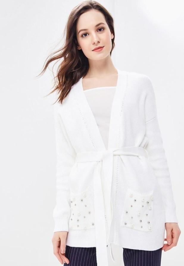 Модный белый кардиганв базовом гардеробе