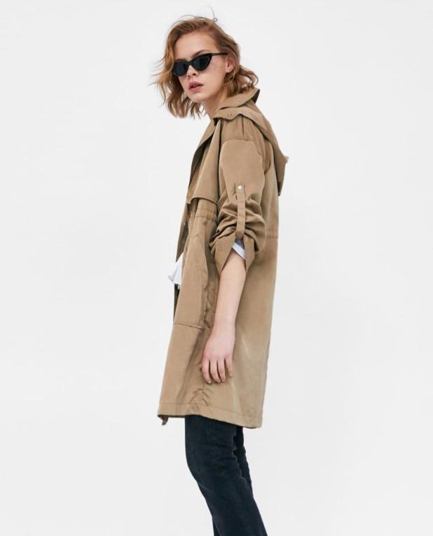 Модное бежевое пальто в базовом гардеробе