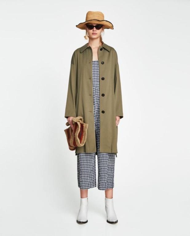 Модное оливковое пальто в базовом гардеробе
