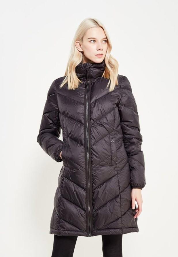 Модный черный пуховик в базовом гардеробе