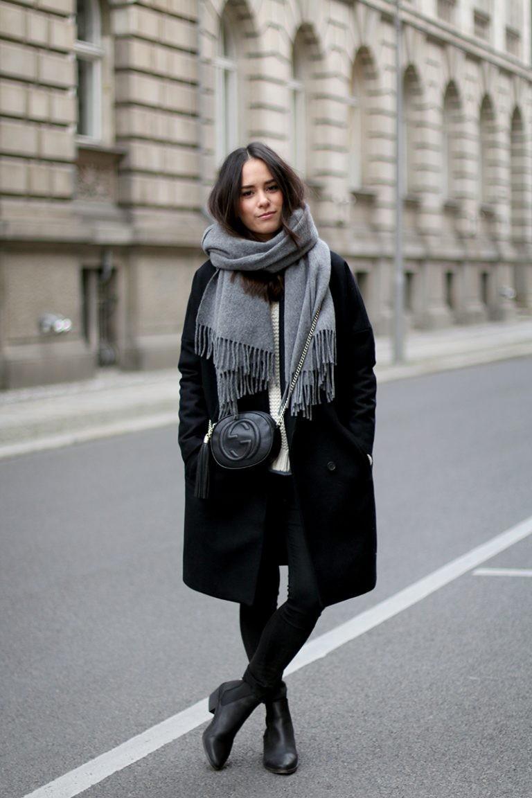 Шарф с пальто