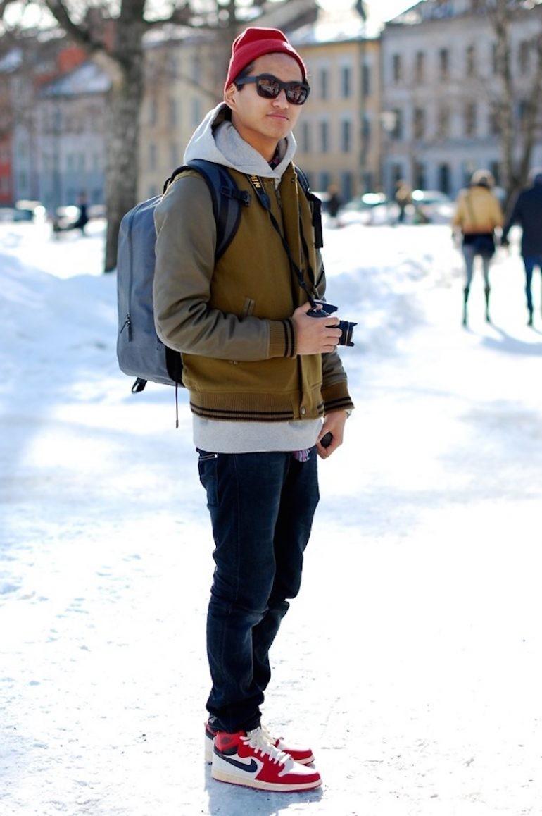 Как носить кроссовки с джинсами мужчинам