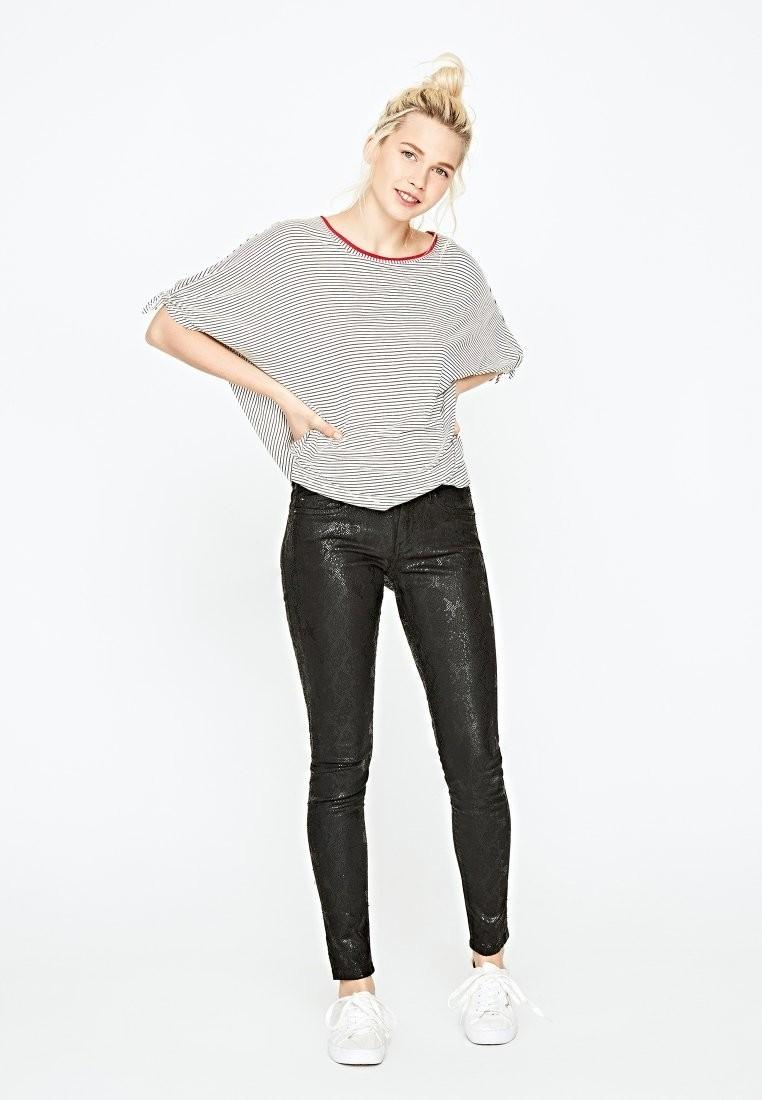 кроссовки с джинсамискинни