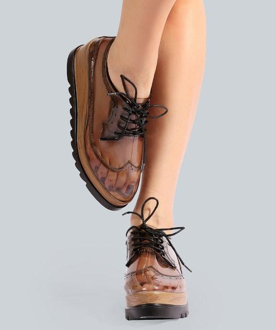 красивые женские кроссовки на платформе