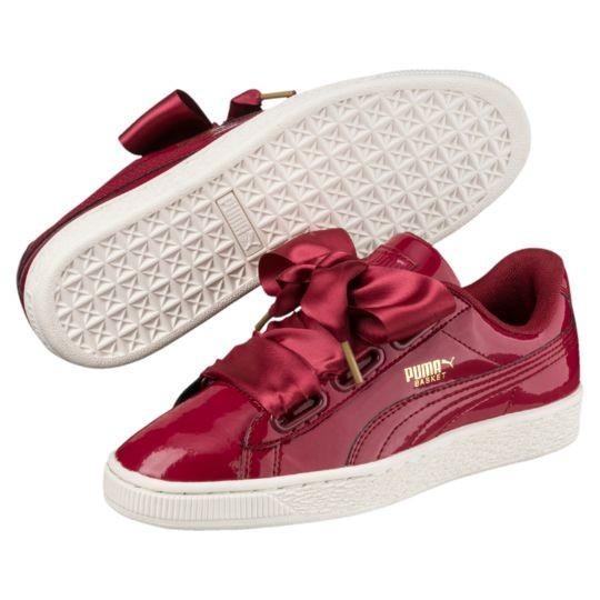 Модные женские кроссовки с яркими красными шнурками 2018 фото