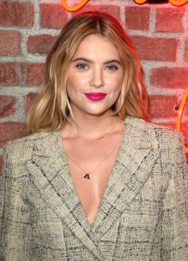 Модный макияж с помадой цвета фуксии лето 2019