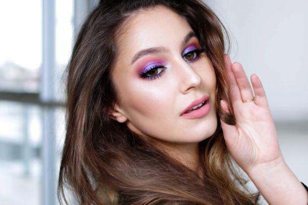 бледный макияж с фиолетовым