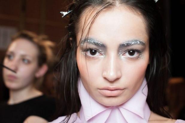 Модный макияжглиттерлето 2019 фото новинки