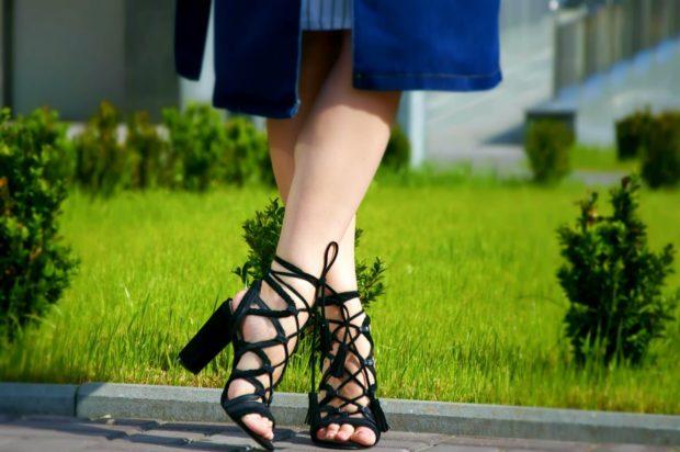 Женская обувь с пряжками 2021